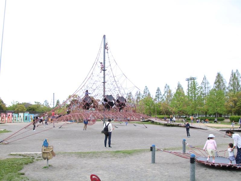 矢橋帰帆島公園のすごい遊具