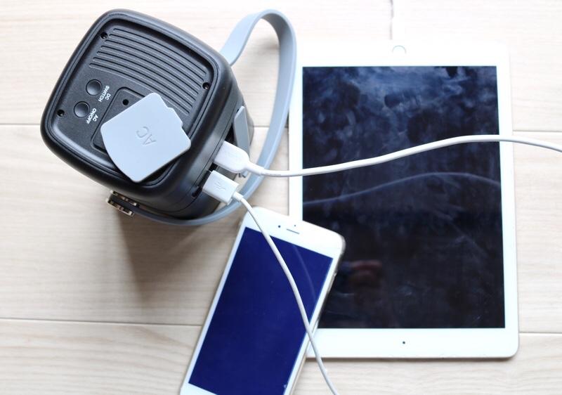 USBやTYPE-Cの充電はケーブルを差し込むと充電
